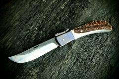 Kovaný zavíraci nůž